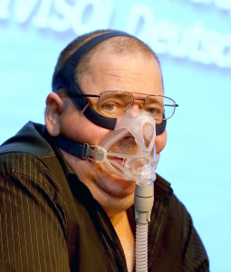 01_jens-lingemann1-255x300 COPD-Patient - Missverständnisse - Außerklinische Heimbeatmung